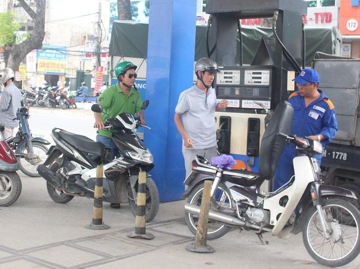 Hà Nội: Kiểm tra 52 cửa hàng kinh doanh xăng dầu