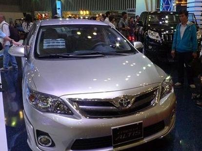 Doanh số bán xe tháng 11 tăng mạnh trở lại