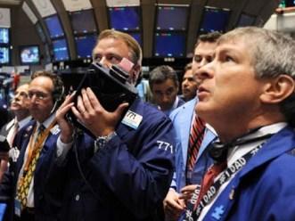 S&P 500 chấm dứt 6 ngày tăng do lo ngại bờ vực tài khóa