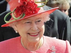 Nữ hoàng Elizabeth lần đầu có mặt tại cuộc họp nội các Anh