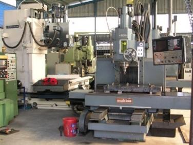 Doanh nghiệp trong nước giảm mạnh nhập khẩu máy móc, thiết bị