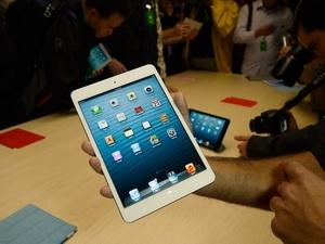 Lượng tiêu thụ iPad mini vẫn mạnh trong quý I/2013