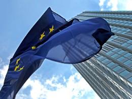 ECB trực tiếp kiểm soát 1.000 ngân hàng eurozone