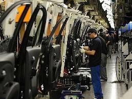 Sản xuất toàn cầu tháng 6 tăng trưởng yếu