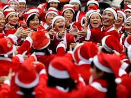 Không khí Giáng sinh rộn ràng trên khắp thế giới