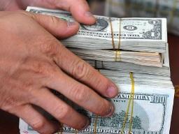 Gia hạn cho vay ngoại tệ với doanh nghiệp xuất khẩu đến hết 2013