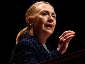 Ngoại trưởng Mỹ Hillary Clinton phải nhập viện gấp