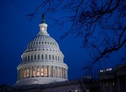 """Thượng viện Mỹ thông qua ngân sách tránh """"bờ vực tài khóa"""""""