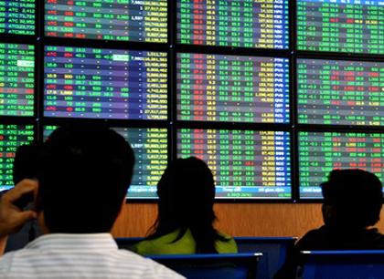 Bluechips tăng giá, VN-Index lên sát 430 điểm