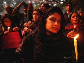 Ấn Độ lại rúng động do vụ hiếp dâm tập thể mới