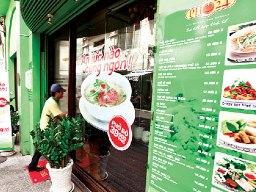 Đằng sau chuyện doanh nghiệp Việt tự bán thương hiệu