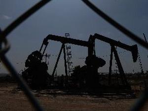 Sự hồi sinh ngành khai thác dầu khí của Mỹ bị đe dọa