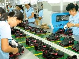 Vấn đề của ngành da giày Việt Nam năm 2013 vẫn là nguyên phụ liệu