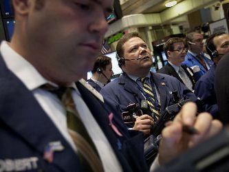 S&P 500 đi ngang phiên cuối tuần