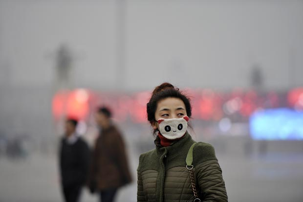 Cổ phiếu công ty khẩu trang Trung Quốc tăng vọt vì ô nhiễm không khí