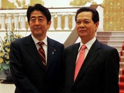 Hình ảnh Thủ tướng Nguyễn Tấn Dũng tiếp thủ tướng Nhật Abe