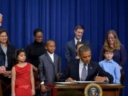 Tổng thống Obama ký sắc lệnh mới về sử dụng súng