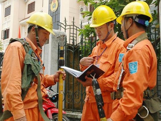 EVN dự kiến chi gần 5.000 tỷ đồng nhập điện Trung Quốc năm 2013