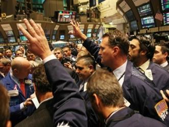 Nhà đầu tư toàn cầu lạc quan vào chứng khoán nhất kể từ 2009