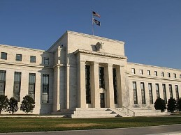 Tài sản của Fed lần đầu tiên vượt 3.000 tỷ USD