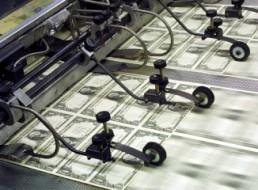 Cuộc chiến của những cỗ máy in tiền