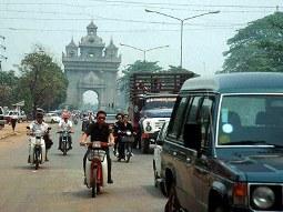 Vốn ngoại đang đổ mạnh về Lào