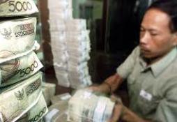 Indonesia can thiệp mạnh để cứu nội tệ
