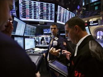 Dow Jones gần cao nhất 5 năm nhờ lợi nhuận lạc quan