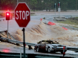 Australia mất hàng trăm triệu USD do lũ lụt