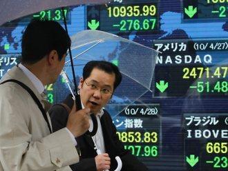 Chứng khoán châu Á giảm sau số liệu kinh tế Trung Quốc