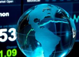 Tiền vào quỹ chứng khoán toàn cầu tăng vọt