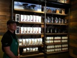 Starbucks cam kết sử dụng nhiều cà phê từ Việt Nam