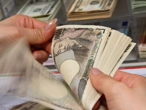 Đồng yên giảm giá sẽ giúp ngành điện tử Nhật Bản vượt khó