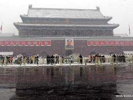 Trung Quốc hủy hơn 100 chuyến bay vì tuyết và mưa lớn