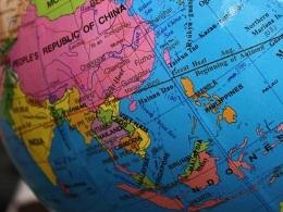 Philippines loại bỏ địa cầu lưỡi bò của Trung Quốc