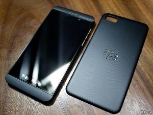BlackBerry Z10 có phần cứng tương tự Galaxy S III