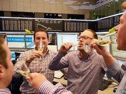 Khủng hoảng eurozone: Đã đến lúc nâng cốc chúc mừng?