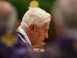 Giáo hoàng Benedict XVI thoái vị là vì bê bối của Vatican bị phanh phui?