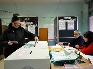 Hơn 47 triệu cử tri Italia đi bỏ phiếu tổng tuyển cử