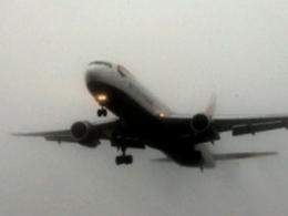 EU tạm ngưng kế hoạch thu thuế carbon hàng không
