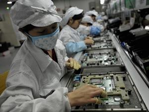 Foxconn có thể rút dây chuyền sản xuất khỏi Trung Quốc
