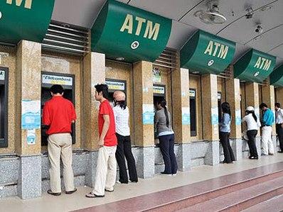 Vietcombank, Sacombank, Seabank thu phí ATM nội mạng từ hôm nay