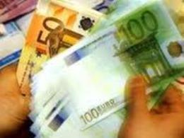 Euro thấp nhất 2 tháng so với USD khi thất nghiệp châu Âu tăng