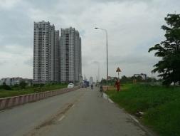 Giá đất Hà Nội có nơi giảm 50%