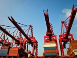 Xuất khẩu Trung Quốc tháng 2 vượt xa dự báo