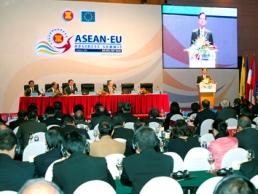 Khai mạc Hội nghị thượng đỉnh kinh doanh ASEAN-EU lần 3