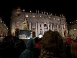 Vatican vẫn chưa có Giáo hoàng sau ngày bỏ phiếu đầu tiên