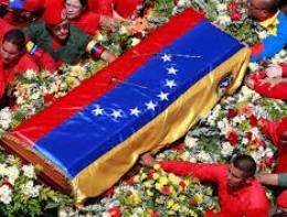 Thi hài tổng thống Chavez được đưa về nơi an nghỉ cuối cùng