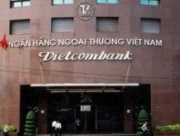 Vietcombank thay nhận diện thương hiệu tại hội sở