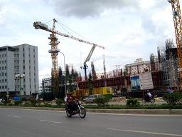 Dragon Capital: Giá nhà đất Việt Nam cách đáy không xa